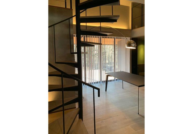 4軽井沢の家階段-2